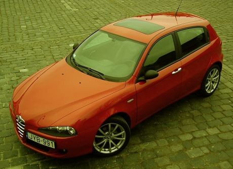 alfa romeo 147 ti made in italy autoblog. Black Bedroom Furniture Sets. Home Design Ideas