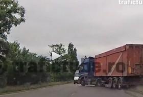 baleset, kamion, románia, teherautó, videó