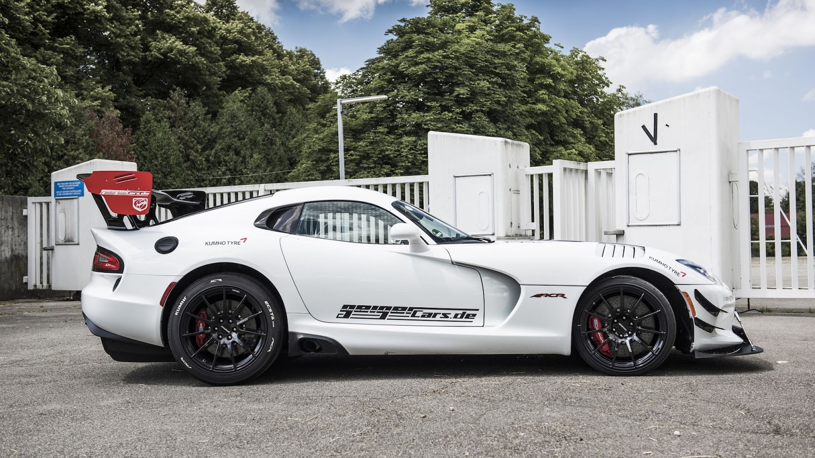 dodge viper acr geiger cars. Black Bedroom Furniture Sets. Home Design Ideas