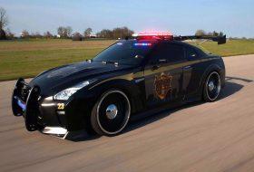 a nap képe, new york, nissan gt-r, rendőr, rendőrautó, új nissan