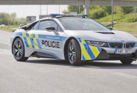 a nap képe, bmw i8, csehország, elektromobilitás, rendőrautó, rendőrség, zöld autó