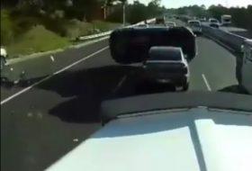 ausztrália, autóbaleset, autópálya, celica, rav4, toyota, videó