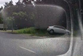 autóbaleset, autós videó, suzuki baleno, vicces