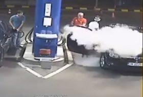 autós videó, benzinkút, opel astra, tankolás, vicces