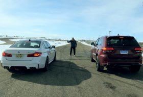 autós videó, bmw m5, grand cherokee, gyorsulási verseny, hellcat, trackhawk, új dodge, új jeep