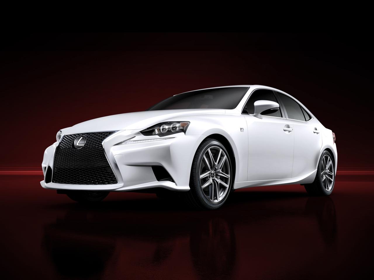 Új Lexus IS