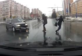 baleset, gyalogos, videó