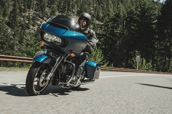 road_glide_special_riding_2
