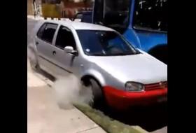 baleset, busz, videó, volkswagen golf