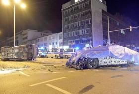 7-es, baleset, bmw, németország, rendőrautó, tesztvezetés