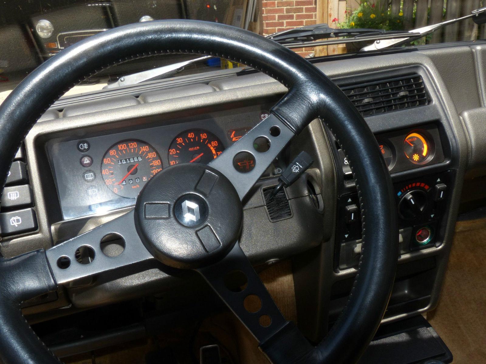Renault 5 Turbo 20,3 millió forintért