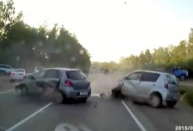 atv, autós videó, baleset, quad, toyota, yaris