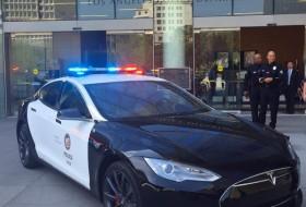a nap képe, bmw i3, los angeles, p85d, rendőrautó, rendőrség, tesla