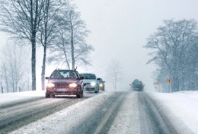 baleset, hólánc, tél, téli vezetés, vezetéstechnika