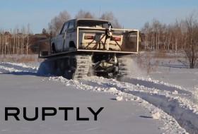 autós videó, egyedi autó, lada, oroszország, tank