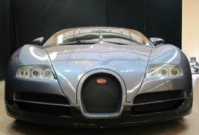 autóeladás, bugatti, veyron