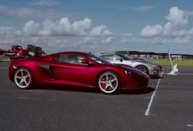 458 speciale, 650s spider, gyorsulási verseny, mclaren, nissan gt-r, új ferrari, új nissan