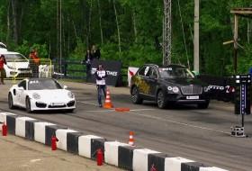 911 turbo, bentayga, gyorsulási verseny, új bentley, új porsche, videó
