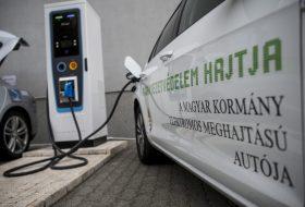 elektromobilitás, elektromos autó, hibrid, olaszország, villanyautó
