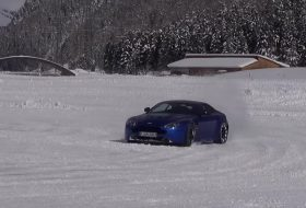 aston martin, csúszásveszély, drift, hó, v12 vantage s, videó