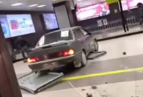 ittas vezetés, oroszország, rendőr, repülőtér, részeg sofőr, üldözés, videó