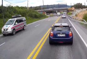 autóbaleset, féktáv, kamion, mini, mini cooper, videó