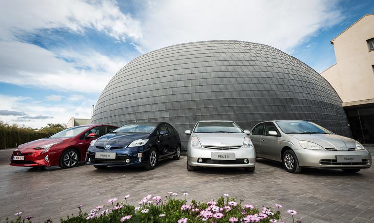 Toyota_Prius_4_generacio