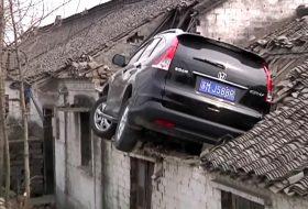 autóbaleset, honda cr-v, kína, videó