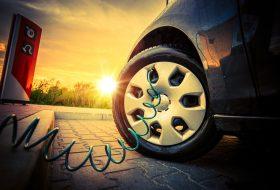 akkumulátor, assistance, klíma, nyár, szerviz
