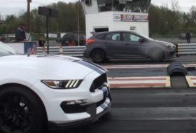 focus rs, gyorsulási verseny, új ford, új ford mustang, videó