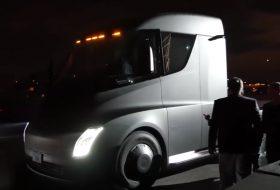 elektromobilitás, gyorsulás, kamion, semi, teherautó, új tesla, videó
