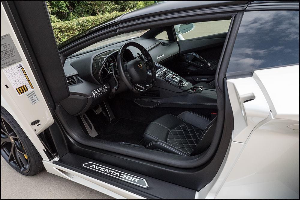 1500 lóerős Lamborghini Aventador SV Roadster