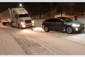 autós videó, hó, kamion, tesla model x, új tesla