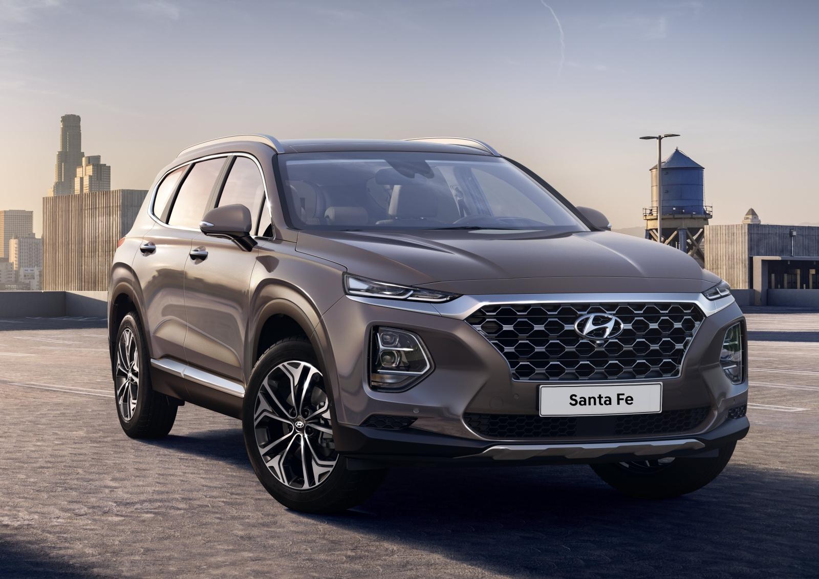 Hyundai_New Santa Fe exterior