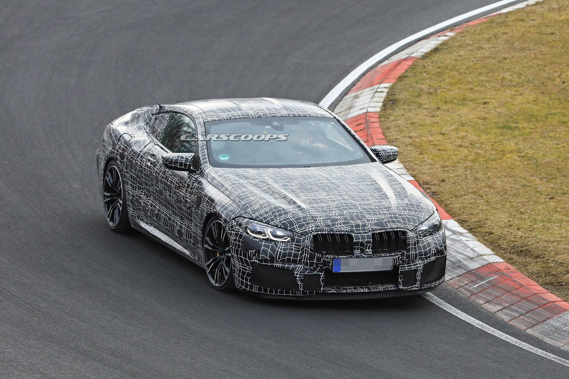 BMW M8 kupé és M8 kabrió