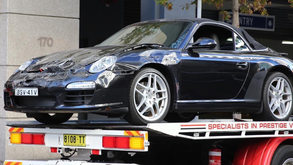 Porsche 911 a Subaru XV alatt végezte Sydney belvárosábam