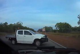 ausztrália, autóbaleset, kamion, pickup