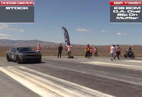 autós videó, challenger, dodge demon, gyorsulási verseny, motorkerékpár