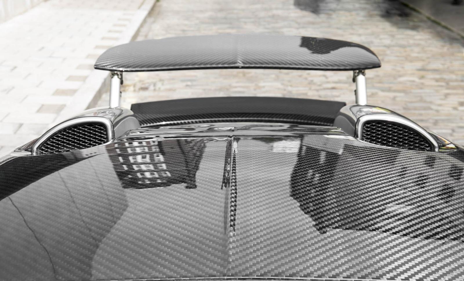 Króm-karbon Mansory Bugatti Veyron