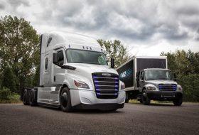 daimler, elektromos, freightliner, kamion, vontató