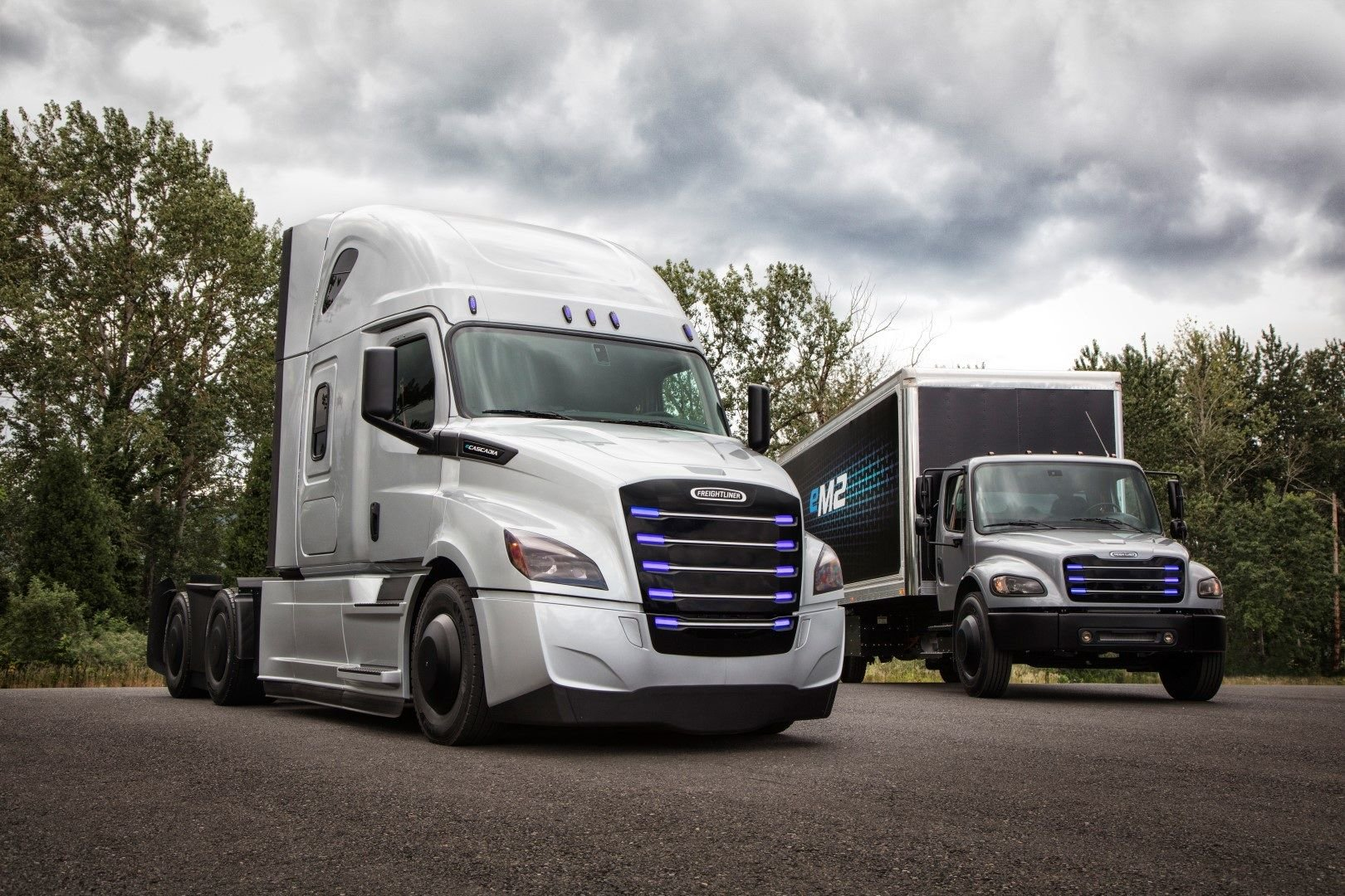 daimler-two-electric-trucks-usa-market-1