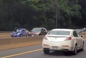 autóbaleset, autópálya, balesetveszély, cherokee, jeep, nissan
