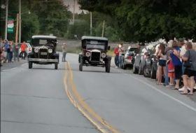 autós videó, ford, gyorsulási verseny, oldtimer