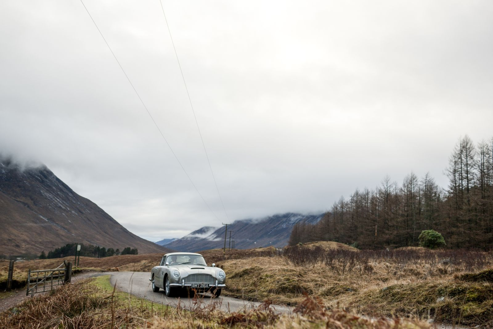 Aston Martin Goldfinger DB5 continuation series