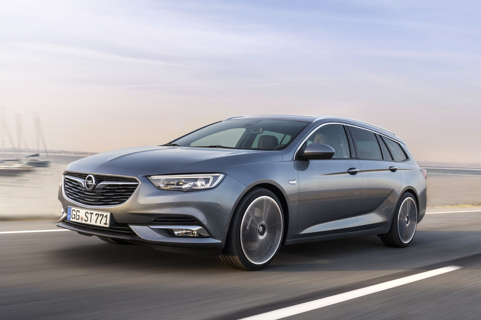 Opel-Insignia-Sports-Tourer-304054_1