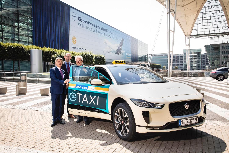 Eletromos jaguár taxi