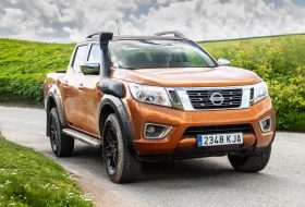 arctic trucks, navara, nissan, off-roader at32, pickup
