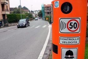 gyorshajtás, olaszország, sebességmérő, sebességtúllépés, traffipax