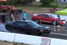 amerika, autós videó, challenger, gyorsulási verseny, hellcat, izomautó, shelby gt500, új dodge