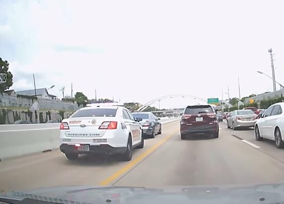 mercedes-benz s-osztaly autopalya rendor video